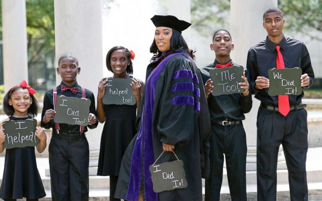 Single Mother of Five Who Graduated from Law School Passes Her Bar Exam